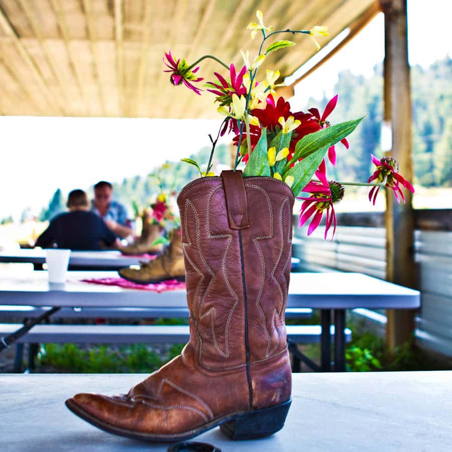 boot-flowers