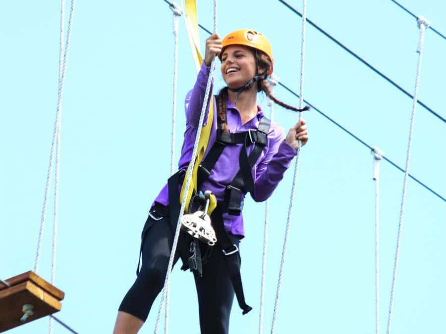 purple-shirt-girl-zipline