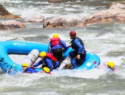 rafting-swimmers
