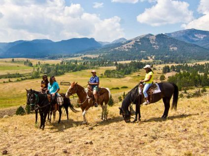 Horseback Riding Near Yellowstone