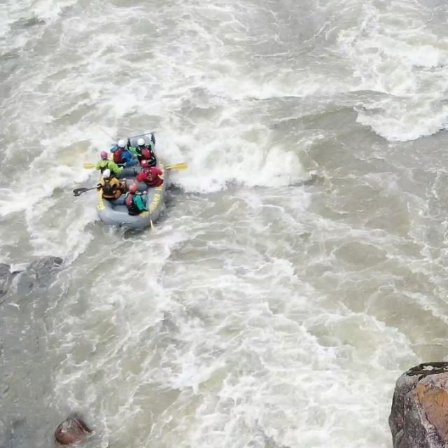 BRING. IT. ON.💦 Early season guide training was cold and wet but this mdub team👆can do it ALL!!💪🤩 Any weather, any conditions, we got you!💜#teamwork #raftguide #guidetraining #gallatinriver #highwater #montanarivers #montana #montanawhitewater #whitewaterrafting #whitewater #mdublife #mtww